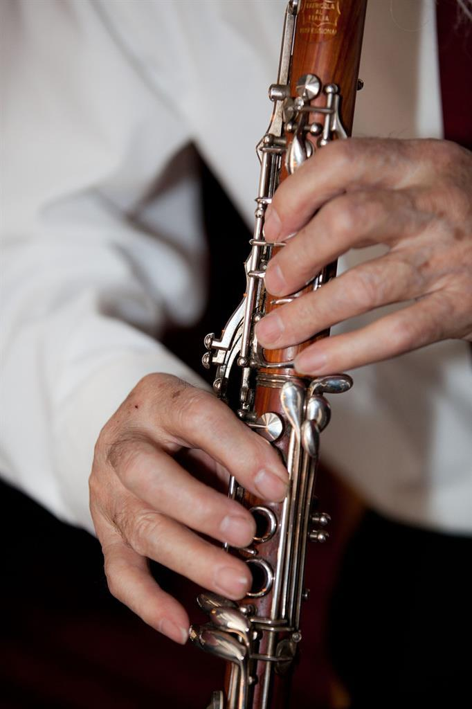 Maintaining Brain Health: The Cognitive Benefits of Music for Seniors